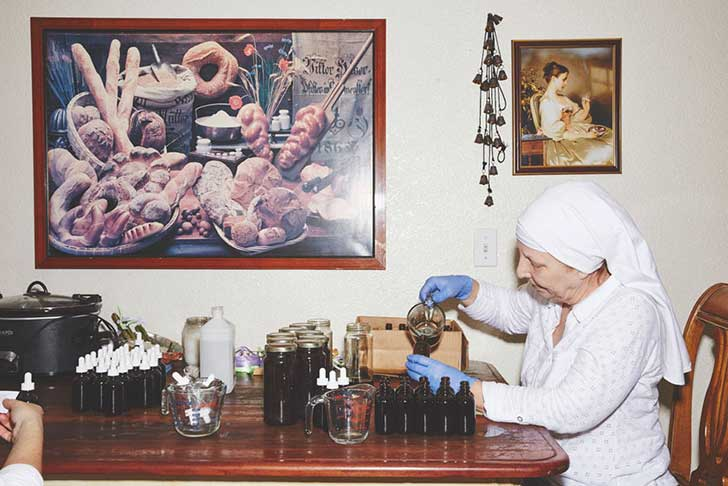 nuns-grow-marjuana-sisters-of-the-valley-shaughn-crawford-john-dubois-12