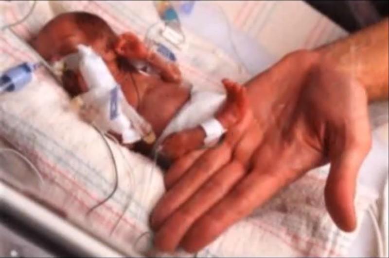 Ningun medico la habria traido al mundo si su madre no hubiese mentido 03