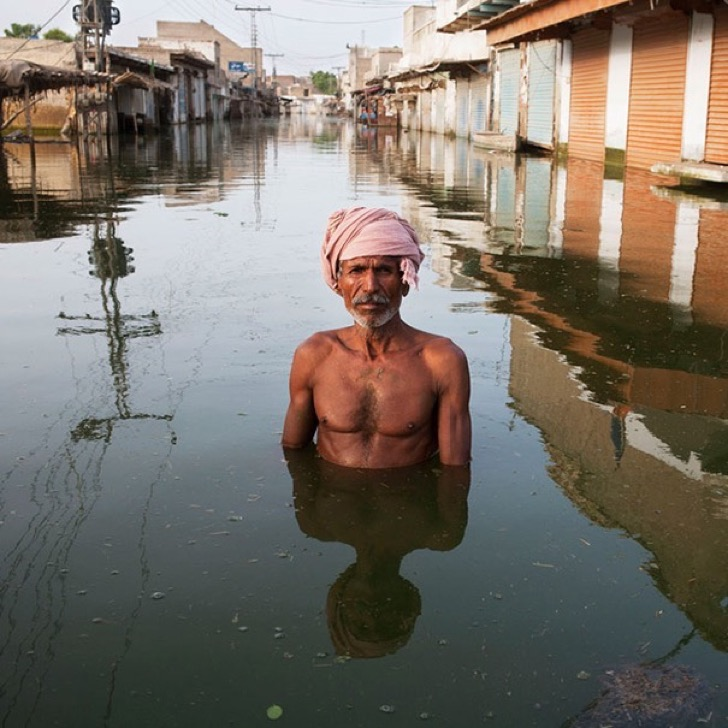 drowning-world-portraits-climate-change-gideon-mendel-20