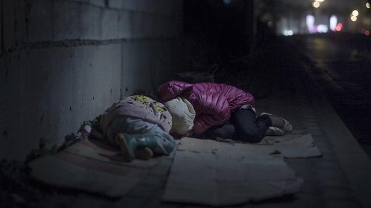 ninos-refugiados-botas