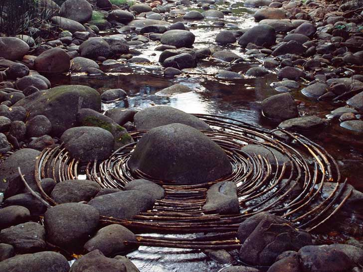 land-art-andy-goldsworthy-710